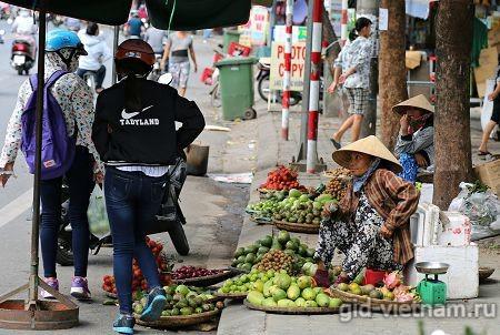 Продавщица фруктов во Вьетнаме
